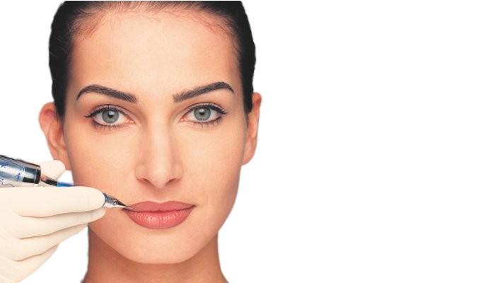 Permanente make-up aanbrengen